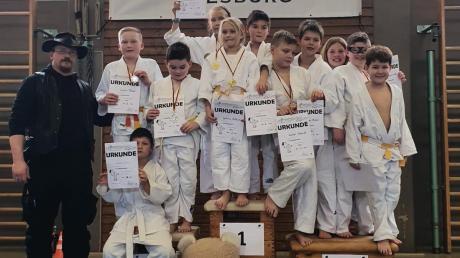 Die jungen Kampfsportler des Judo Sport Teams Riesbürg beim 3. Goldbergrandori.
