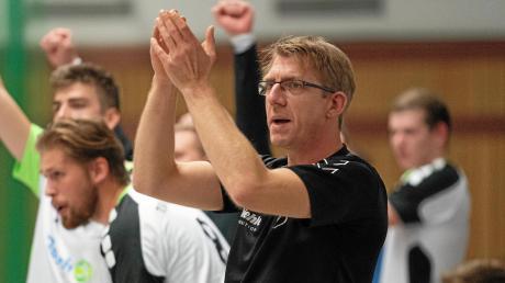 Einen absoluten Sahnetag hatte der TSV Bäumenheim in Meitingen. Trainer Markus Bügelsteiber konnte den 36:29-Sieg seines Teams bejubeln.