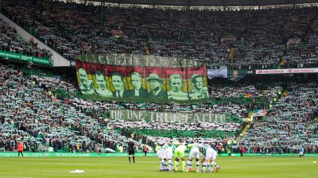 Adrian Beck, der jetzt wieder für die Ulmer Spatzen aufläuft, hat in seiner Zeit in Schottland in den beiden größten Stadien des Landes gespielt wie hier im Celtic-Park, dem Heimstadion von Celtic Glasgow. Im Spiel gegen die Glasgow Rangers war Prominenz auf der Trainerbank der gegnerischen Mannschaft: Liverpool-Legende Steven Gerrard.