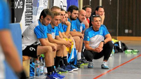 Zuletzt lief es nicht mehr ganz so rund bei der HSG Wittslingen. 2020 stehen zwei Niederlagen, ein Remis und nur ein Sieg für das Team von Trainer Thomas Joekel (rechts) zu Buche.