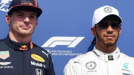 Kampfansagen, wie die von Red-Bull-Pilot Max Verstappen (l), sind für Lewis Hamilton ein «Zeichen von Schwäche».