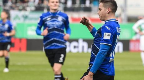 Tabellenführer Arminia Bielefeld marschiert nach dem Sieg in Fürth weiter Richtung Bundesliga.