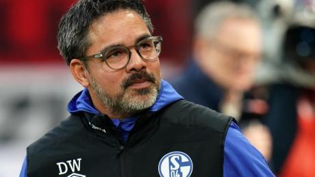 Schalke-Trainer David Wagner vor Spielbeginn.