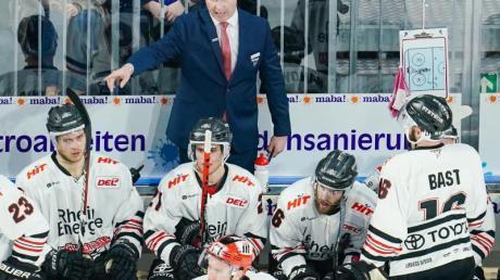 Die Kölner Haie um Trainer Mike Stewart verloren erneut.