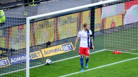 Der HSV um Timo Letschert verlor auch das zweite Hamburger Derby der Saison.
