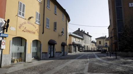 Wie ausgestorben sind die Straßen: In Italien sind mehrere Städte abgeriegelt worden.