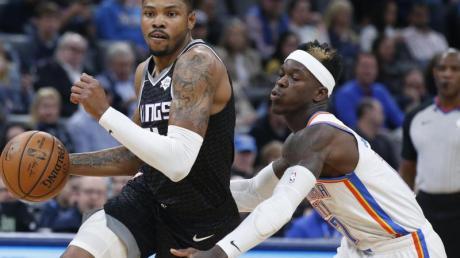 Siegte mit Oklahoma City Thunder gegen die Sacramento Kings: Dennis Schröder (r).
