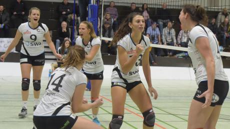 Engagiert gingen die Hochzoller Volleyballerinnen in jedem Spiel zu Werke, doch die Ergebnisse ließen zu wünschen übrig. Am Samstag um 19 Uhr steht in der Zwölf-Apostel-Halle das wegweisende Spiel gegen den TSV Ansbach an.