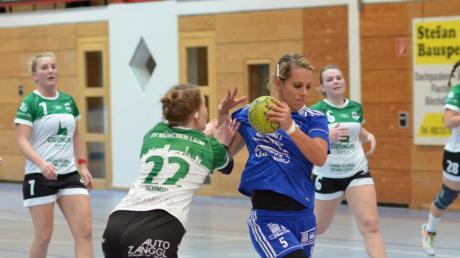 Zuletzt waren Rebecca Gottwald (am Ball) und die KSC-Damen kaum zu bremsen – nun geht es am Sonntag gegen Landshut.