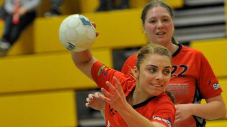 Sarah Haselmeier (Bild) erzielte wie ihre Teamkolleginnen Jana Kling und Lisa Beutmiller beim Derbysieg in Günzburg fünf Feldtore.