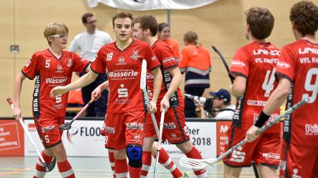 Maximilian Falkenberger (Nummer 18) gelang in Wernigerode in der vorletzten Minute der 4:4-Ausgleich. Am Ende nahmen die Kauferinger einen Punkt mit aus dem Harz, und dieser könnte im Kampf um die Play-off-Plätze noch Gold wert sein.