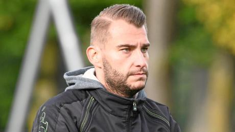 Sieht dem Unternehmen Klassenerhalt optimistisch entgegen: Steffen Hasenfus, Sportleiter des Fußball-Bezirksligisten FC Günzburg.