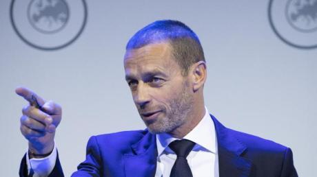 Schaut der Fußball-EM (noch) optimistisch entgegen: UEFA-Boss Aleksander Ceferin.