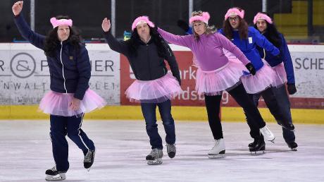 Schon vor zwei Jahren hatten sich Eltern der Eiskunstlaufkinder zusammengetan und einen ganz besonderen Auftritt bei der Eisgala hingelegt.