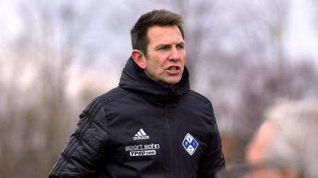 Illertissens Trainer Marco Küntzel echauffierte sich im Spiel gegen Bayreuth vor allem über einen Elfmeterpfiff zugunsten der SpVgg Bayreuth am Samstagnachmittag.