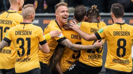Dynamo Dresden setzte sich gegen den FC Erzgebirge Aue durch.