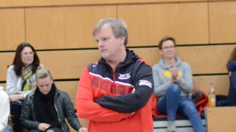 Hat momentan wenig Grund zur Freude mit seinem Team: TSV-Trainer Hannes Müllegger.
