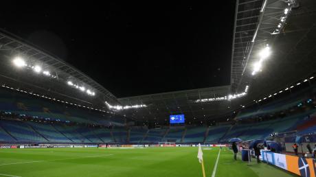 Am Wochenende werden die Bundesligastadien – hier die Leipziger Arena – leer bleiben.