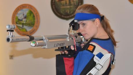 Katja Schwibinger (Haberskirch-Unterzell) erzielte mit 392 Ringen beim Rückrundenstart der Luftgewehrschützen das beste Einzelergebnis.