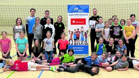 Der TSV Nördlingen hat den Förderpreis für ausgezeichnete Jugendarbeit erhalten.