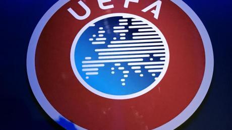 Die Champions League und Europa League könnten aufgrund der Coronavirus-Pandemie mindestens bis Juli pausieren.