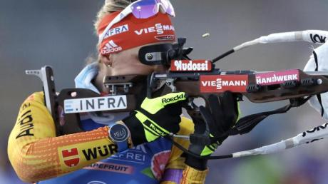 Im Biathlon-Weltcup 20/21 in Nove Mesto treten die DSV-Athleten, wie Denise Herrmann, im Sprint, der Staffel und der Verfolgung an. Alle Termine, Uhrzeiten, den Zeitplan und die Übertragung live in TV und Stream finden Sie hier.