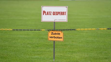Gesperrte Sportplätze, kein Spiel- und Trainingsbetrieb: Das Corona-Virus hat nicht nur in Bubesheim, sondern bayernweit den Amateursport lahmgelegt. Viele Vereine fragen sich jetzt, wie es weitergeht.