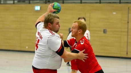 Bei ihm laufen die Fäden in der Handball-Abteilung des TSV Neuburg zusammen: Spartenchef Christian Wuka (links), der selbst für die Herrenmannschaft auf Torjagd geht.