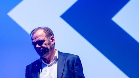 Muss beim HSV gehen:Vorstandsboss Bernd Hoffmann.