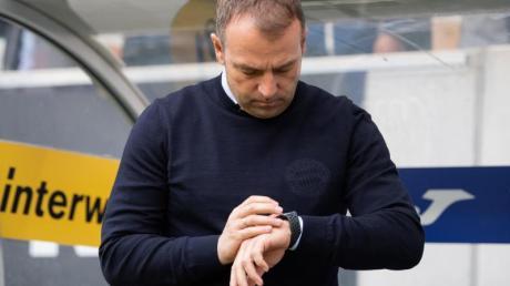 Hat momentan keine Eile in Sachen Vertragsverlängerung beim FC Bayern: Coach Hansi Flick.