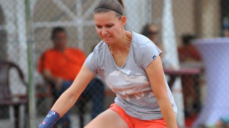 Auch Anja Stelzle vom TSV Wittislingen muss sich gedulden, bis sie wieder auf den Tennisplatz darf. Unser Bild zeigt die Spielerin bei den Kreismeisterschaften 2017 in Wertingen.
