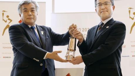 Das olympische Feuer wird offiziell an die Präfektur Fukushima übergeben.