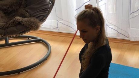 Für Carola Schmidt muss sich auf Übungen in ihrer Wohnung konzentrieren.