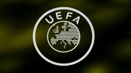 UEFA in Kontakt mit zwölf EM-Gastgebern: Gleicher Spielplan als Ziel.