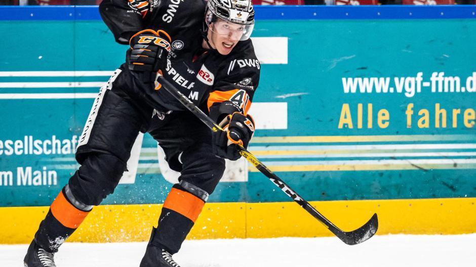 Max Eisenmenger hat in Schweden eine ausgezeichnete Eishockey-Ausbildung genossen. Jetzt will er sich nach zwei Jahren in Frankfurt in Augsburg durchbeißen.