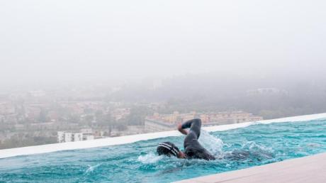 Jan Frodeno beim Schwimmen in der Gegenstromanlage.