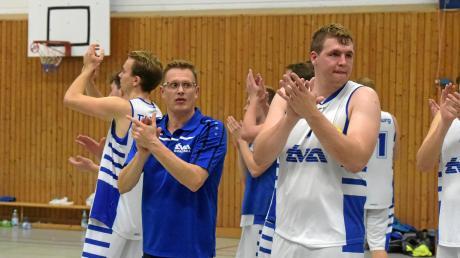 TVA-Spielmacher Alexander Chalusiak (rechts) und Trainer Florian Martini (links) wollen in der kommenden Saison von Beginn an überzeugen.