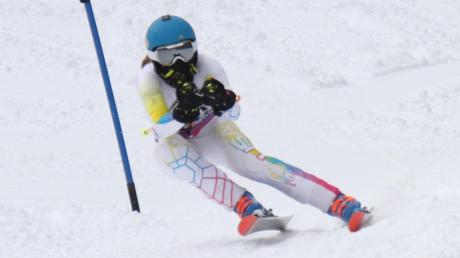 Skifahrerin Anna-Sophie Sitzmann setzt sich bei der Wahl zum Sportler des Monats knapp durch.