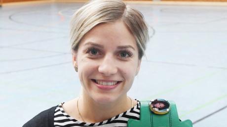 Die Augsburger Boxerin Tina Rupprecht kämpft derzeit mehr mit der Bürokratie als mit echten Gegnerinnen im Ring.