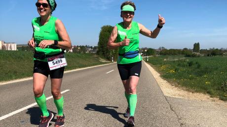 """Anneliese Zinke (rechts) und Susanne Vierkorn beim """"Madrid Virtuell Run""""."""