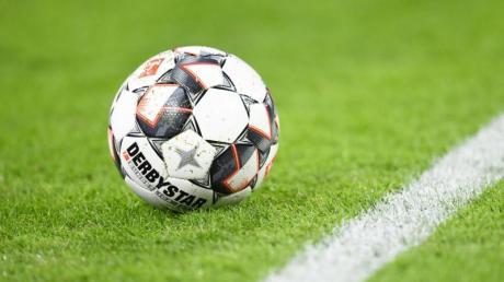 Zwei Fußball-Weisheiten: Der Ball ist rund und Kettershausen bleibt immer drin