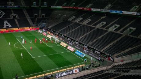 Die Clubs derBundesliga und 2.Liga verlieren durch dieGeisterspiele laut eines «Kicker»-Berichts mehr als 91 MillionenEuro.