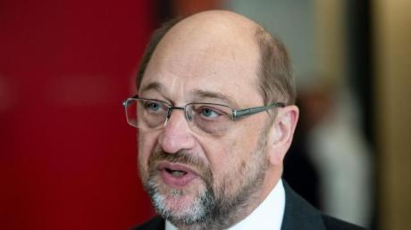 Blickt dem Wiederbeginn der Fußball-Bundesliga mit großer Sorge und Skepsis entgegen: Martin Schulz (SPD).