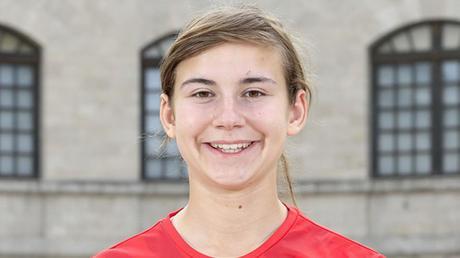 Hat große Ziele: Die 17-jährige Bergheimerin Maria Zeller spielt seit dieser Saison für die Frauenmannschaft des FC Ingolstadt in der 2. Bundesliga.