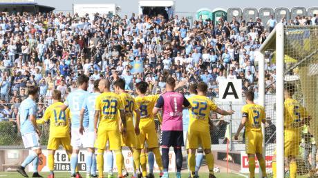 Vor rund zwei Jahren empfing der FC Pipinsried vor mehr als 7000 Zuschauern den TSV 1860 München. Am Donnerstag zeigt der Dorfklub das Spiel erneut.