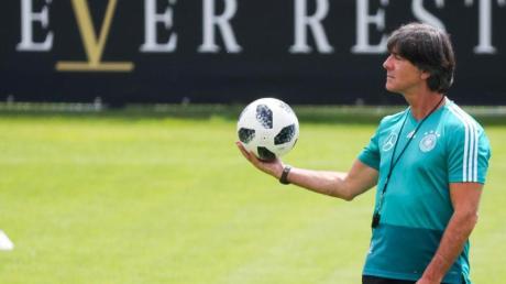 Wollte das DFB-Team in Seefeld auf die EM 2020 vorbereiten:Bundestrainer Joachim Löw.