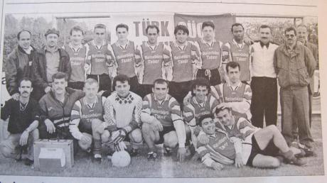 Eine grandiose Saison spielten die Fußballer von Türk Gücü Lauingen in der Saison 1999/2000. Bereits vier Spieltage vor Schluss war der Titel in der Kreisklasse Donau eingefahren.