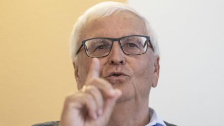 Der ehemalige DFB-Präsident Theo Zwanziger fordert vom DFB eine intensive und zielgerichtete Aufklärung der Sommermärchen-Affäre.