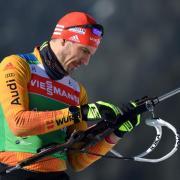 Biathlon-Olympiasieger Arnd Peiffer beim Weltcup 2020/21. Wann die einzelnen Rennen live im Fernsehen auf ARD oder ZDF und im Stream zu sehen sind, das erfahren Sie hier.