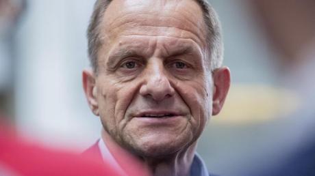 Sieht durch die Folgen der Cornavirus-Pandemie die Vielfalt der deutschen Sportlandschaft in Gefahr: Alfons Hörmann.
